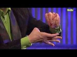 хитрый трюк с оторванным пальцем во время демонстрации фокуса