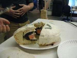 Самостоятельно испечённый торт
