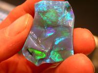 Кому можно носить и кому нельзя носить этот камень в виде украшения или талисмана