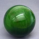 Камень Нефрит, его свойства и кому подходит носить амулеты с этим камнем