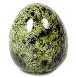 Камень Змеевик на фото, его свойства, значение которое может оказать камень на людей